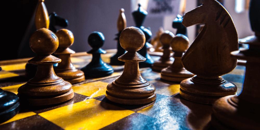 Empfohlene Beitragsbilder 5 Strategie Brettspiele ähnlich wie 2019 Schach zum Ausprobieren Codenamen - 5 Strategische Brettspiele ähnlich wie Schach im Jahr 2019 zum Ausprobieren